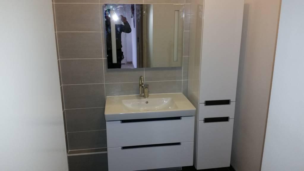 amenagement salle de bain mistral multiservices. Black Bedroom Furniture Sets. Home Design Ideas