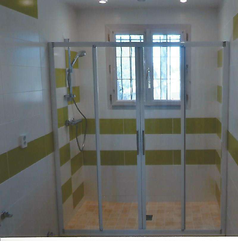 cr ation d 39 une salle de bain mistral multiservices. Black Bedroom Furniture Sets. Home Design Ideas